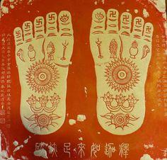 Google Image Result for http://www.bellaonline.us/buddhism/BuddhaFootprints.jpg