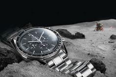Poucos relógios têm o poder de inspirar como o Omega Speedmaster. O primeiro relógio utilizado na lua, tornou-se num símbolo permanente da ingenuidade e da capacidade que nos levou ao espaço. No sexagésimo aniversário do lançamento do Speedmaster, fazemos um retrospectiva com o embaixador da marca e entusiasta espacial, George Clooney, desde os espectaculares dias do programa Apollo e às razões pelas quais o Speedmaster conseguiu chegar onde chegou.      Apesar de ter interpretado…