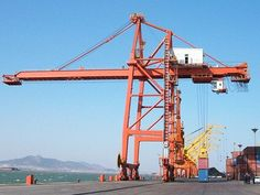 Shipyard gantry crane is used for ship building. With high quality and reasonable price, it has won a warm praise. Contact us for free quotation now. Cranes For Sale, Gantry Crane, Heavy Equipment, Model Trains, Golden Gate Bridge, High Quality Images, Utility Pole, Construction, Exterior