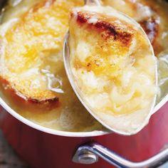 French Onion Soup with Beer - Ricardo Ricardo Recipe, Soup Appetizers, Onion Soup, French Onion, White Bread, Cheddar Cheese, Menu, Pudding, Cheddar