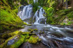 National Creek Falls. Copyright James Parsons of Extreme Oregon.