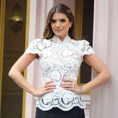 A blusa mais desejada de renda bordada agora está disponível no nosso site www.closetdamay.com.br - ▪️blusa R$289,90(P e M) ▪️Whatsapp (62)8217-2700 ▪️Telefone (62)3639-0058 ▪️Enviamos para todo Brasil e exterior