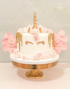 It's a unicorn Unicorncake www. Drippy Cakes, Desert Table, Bakery Cakes, Birthday Cake, Birthday Ideas, Deserts, Baking, Sweet, Food