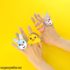 We have the coolest printable Easter paper rings to share with you today! So if you are looking for a fun Easter craft for kids to make, add this one on your list! This paper craft is beyond adorable and with our printable ring template you'll have a handful of fancy paper rings in no …