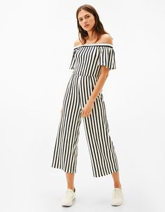 Macacão riscas off shoulder - New - Bershka Portugal