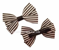 www.dreambows.co.uk Black and white striped grosgrain ribbon hair bows on alligator clips/slides - £2.50 striped bows, black and white hair bows, love bows, girls bows, handmade, love to craft, made with love, dreambows, UK, striped ribbon, ribbon bows