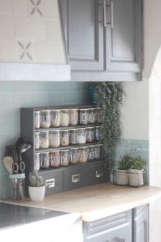 Relooker une cuisine avec un petit budget / Meuble à épices DIY