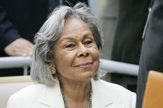 Rachel Robinson~(baseballs Jackie Robinsons wife) lovely at Silver White Hair, Ken Burns, Beautiful People, Beautiful Women, Jackie Robinson, Ageless Beauty, Going Gray, Aging Gracefully, Grey Hair