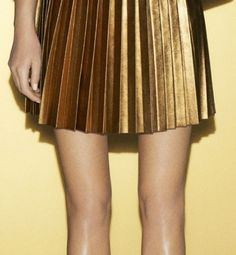 Go For Gold-pleated skirt. More beauty, fashion and lifestyle over at www.breakfastwithaudrey.com.au