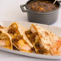 Shrimp and Potato Quesadillas - Caciquedilla Club Vegetable Appetizers, Potato Appetizers, Light Appetizers, Appetizer Recipes, Seafood Dishes, Seafood Recipes, Mexican Food Recipes, Food Network Recipes, Cooking Recipes