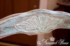 French Chair in Distressed Blue. Annie Sloan Chalk Paint, Wet Distressing . DIY - How to - Tutorial
