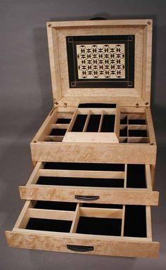 wooden jewelry box, Running Pelta, details