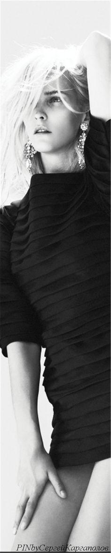 Carmen Kass Black White Fashion, Black And White, Carmen Kass, Minimal Chic, Fashion Photography, Black N White, Black White, High Fashion Photography