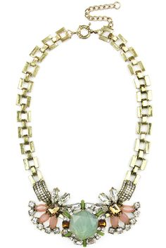 The ultimate statement necklace! Our Mint Crystal Luxe Necklace is the perfect combination of modern and vintage. #jewelry #statement #necklace #vintage #vintagenecklace #statementnecklace #jewels #gems #gold #chain #fashion
