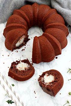 ciambella al cacao con cuore di cocco