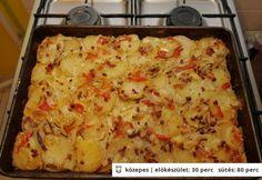 Lacikrumpli rakott krumplis-karajos egytál Potato Dishes, Potato Recipes, Meat Recipes, Cooking Recipes, Recipies, Hungarian Recipes, Special Recipes, Lasagna, Macaroni And Cheese