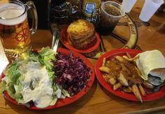 Our version of perfection @boogiebear42 #clearmansgalley #clearmansboat #clearmansrestaurants #cheesebread #restaurant #lunch #dinner #eat #food #foodporn #foodgasm #instafood #yum #yumyum #yummy #delicious #sangabriel #losangeles #steak #stuffed #comfortfood #homecooking #beer #bar #sports #sportsbar