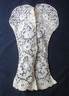 Maria Niforos - Fine Antique Lace, Linens & Textiles : Antique Lace # LA-97 Exquisite 19th C. Brussels Lace Sleeves