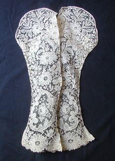 Maria Niforos - Fine Antique Lace, Linens & Textiles : Antique Lace # LA-97 Exquisite 19th C. Brussels Lace Sleeves