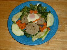 #WalmartGiving #NoKidHungry Egg & Kale (kid) 1/2 of doz egg ~$2 6 slice rye ~$1.50 5 oz kale $4 8 carrot ~$1 3 apple $2.25 oil & dressing, uncalculated ~$10.75