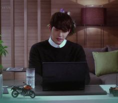 Animated gifFind images and videos about kim woo bin and heirs on We Heart It - the app to get lost in what you love. Kim Wo Bin, Park Hyung, Choi Jin, Park Shin Hye, Woo Bin, The Heirs, Love And Respect, Lee Min Ho, Korean Drama