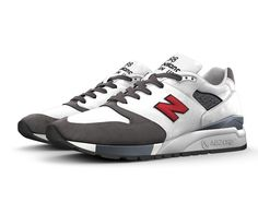 Set the trend in a style all your own. The 998 is a retro look with a modern…