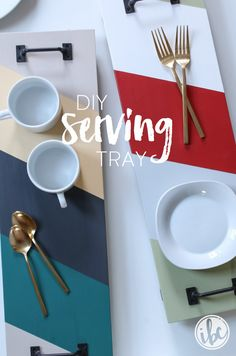 Learn how to make this easy and colorful DIY Serving Tray. It's a useful entertaining tool that double as home decor. Painting On Pallet Wood, Diy Painting, Serving Tray Wood, Wood Tray, Diy Craft Projects, Home Projects, Craft Ideas, Diy Crafts, Decor Crafts