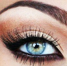 Copper Black Eye Makeup makes blue eyes pop