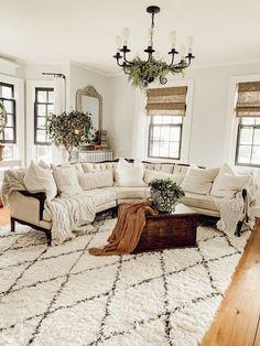 Living Tv, Cozy Living Rooms, Formal Living Rooms, Living Room Modern, Rugs In Living Room, Home And Living, Living Room Designs, Modern Farmhouse Living Room Decor, Vintage Living Rooms