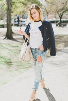 Street Stlye: Graphic Tee and Floral Denim | Casual Look |  Uptown with Elly Brown