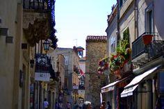 Taormina-Streets,-Sicily