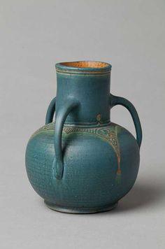 mobach senior. Ceramic Pots, Glass Ceramic, Vases, Sculpture Art, Ceramic Sculptures, Arts And Crafts Movement, Pottery Vase, Craftsman Style, Tree Art
