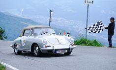 Das Gaisbergrennen in der Stadt Salzburg ist in vollem Gange. Am Freitag fanden die ersten Wertungsfahrten auf den Gaisberg statt.