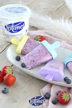 De Kwark ijsjes met blauwe bessen van Ashley Willems zijn heel makkelijk zelf te maken. Je hebt slechts 3 Ingrediënten nodig: Optimel Kwark Aarbei, aardbeien en blauwe bessen. Lekker voor kinderen of natuurlijk voor jezelf!