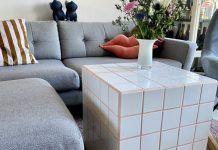 Πως να φτιάξεις ένα DIY τραπεζάκι με πλακάκια! Couch, Furniture, Home Decor, Settee, Decoration Home, Sofa, Room Decor, Home Furnishings, Sofas