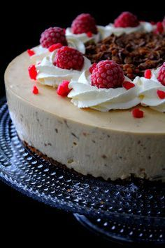 Finnish Recipes, Food Presentation, Cheesecakes, Cake Recipes, Cake Decorating, Deserts, Food And Drink, Sweets, Chocolate
