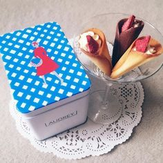Small Desserts, Sweet Desserts, Dessert Recipes, Cake Packaging, Food Packaging Design, Sweet Cooking, Japanese Sweets, Sweet Cakes, Cute Food