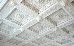 How to install coffered ceiling 2019 with your own hands with new coffered ceiling designs and coffered ceiling ideas for any room, what is the coffered ceiling cost, coffered ceiling designs with lighting ideas and the best-coffered ceiling materials Gypsum Decoration, Ceiling Materials, Gypse, Gallon Of Paint, Interior Design Gallery, Ceiling Installation, False Ceiling Design, Classic Interior, Moroccan Decor