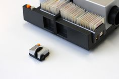 Projecteo tiny projector