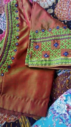 Super super Kutch and mirrors To order pls WhatsApp me to 91 7730891805 Embroidery Neck Designs, Embroidery Works, Embroidery Dress, Embroidery Stitches, Hand Embroidery, Blouse Neck Designs, Blouse Patterns, Kutch Work Designs, Mirror Work Blouse