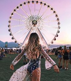 Going Fashionable And Chic For Coachella Festival, Try This 100 Ideas 13 - Nona Gaya