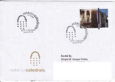 Sobrescrito circulado de Ponta Delgada para Estoi com carimbo comemorativo de 1.º dia da Rota das Catedrais 2.º Grupo. Selo daa Catedral da Guarda colocado em circulação em 2012