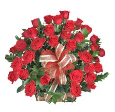 ZAFIRO - $150.000 [50 Rosas Rojas- Rusco – Base de Madera – Moño y Tarjeta] Fresco, Christmas Wreaths, Base, Holiday Decor, Home Decor, Red Roses, Sapphire, Floral Arrangements, Wood