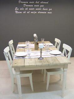 Tafel Maison Karlijn oud steigerhout white wash onderstel