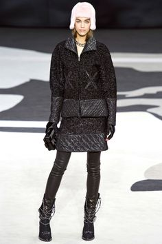 Chanel Fall 2013 RTW - Review - Fashion Week - Runway, Fashion Shows and Collections - Vogue - Vogue