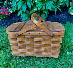 Vintage Picnic Basket, Picnic Baskets, Vintage Baskets, Vintage Gifts, Etsy Vintage, Vintage Items, Old Baskets, Wicker Baskets, Putney Vermont