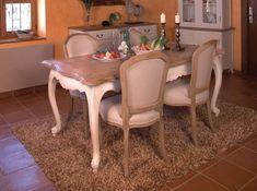 Mesa de comedor extensible de estilo provenzal. Colección Arles.