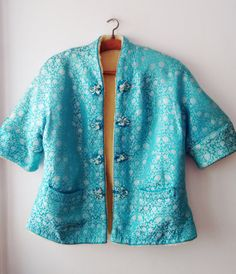 Vintage Chinese silk jacket with synthetic furfur by DorisVintage