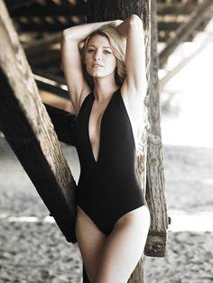 Monokini babe!!! www.ladyluxswimwear.com