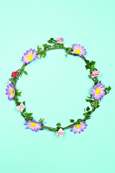 Dainty Daisy Crown | uoionline.com: Women's Clothing Boutique